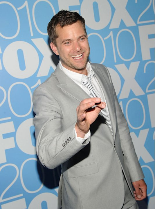 "Joshua Jackson (""[ytvshow id=42960Fringe[/ytvshow]"") attends the 2010 Fox Upfront after party at Wollman Rink, Central Park on May 17, 2010 in New York City."