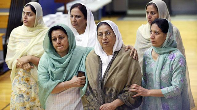 Sikhs Praised By Governor for Responding to Temple Shooting 'With Love'