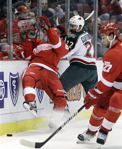 Howard, Filppula lead Red Wings past Wild 6-0