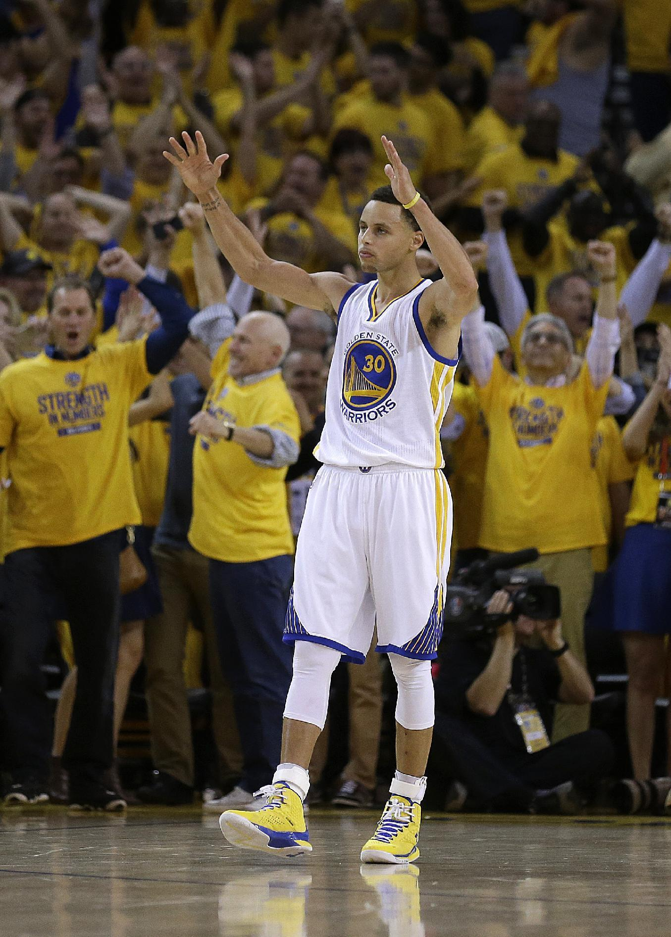 Curry, James unanimous selections to All-NBA first team