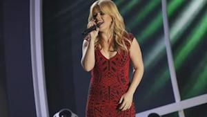 Kelly Clarkson Drops New Single! Listen!