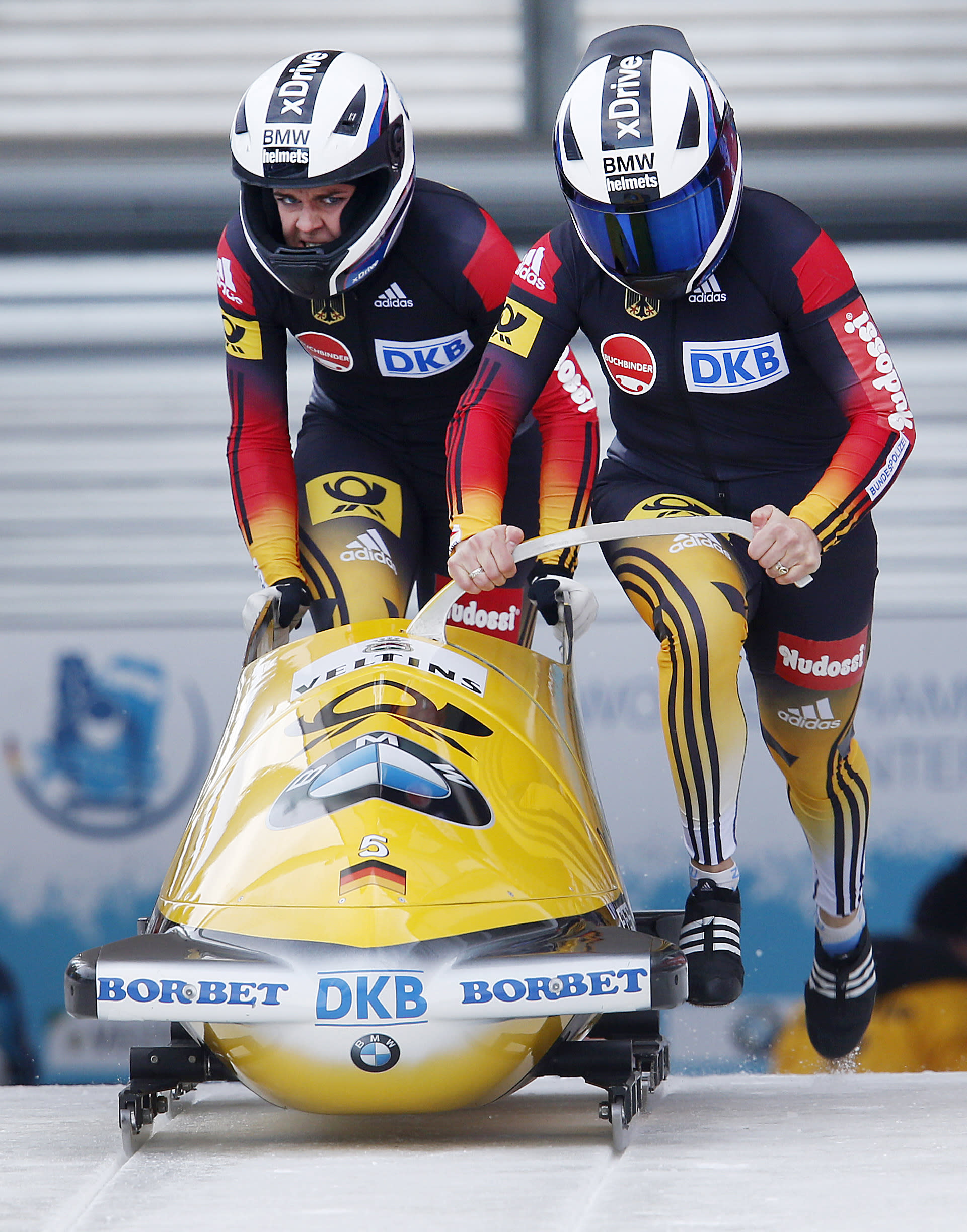 Meyers Taylor, Garrett give US historic bobsled title