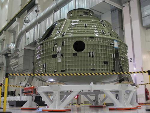NASA Discovers Cracks in Deep-Space Orion Capsule