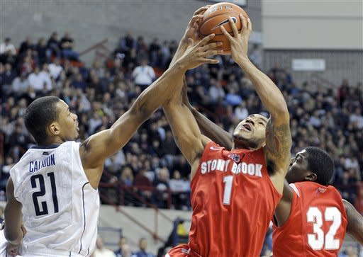 Giffey leads No. 21 UConn over Stony Brook 73-62