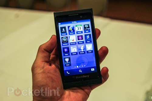 BlackBerry 10 detailed; Flow, Peek and Hub the new buzz words. Phones, BlackBerry, RIM, BB 10 0