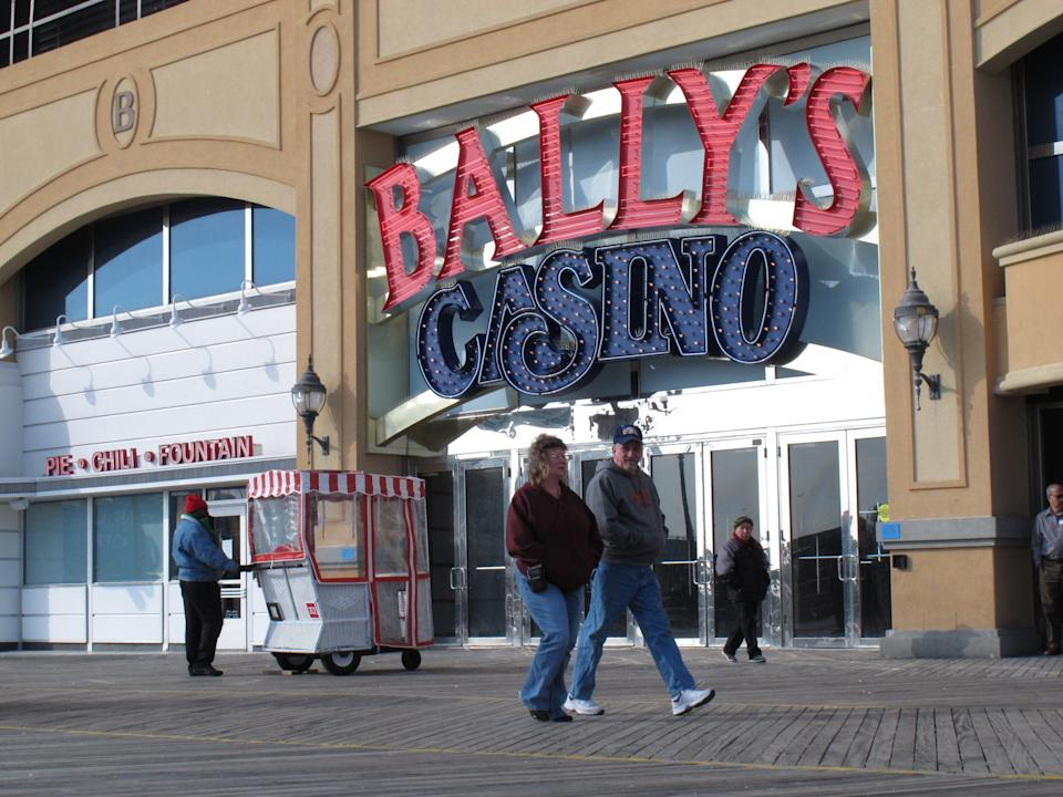 Christie again vetoes NJ's Internet gambling law