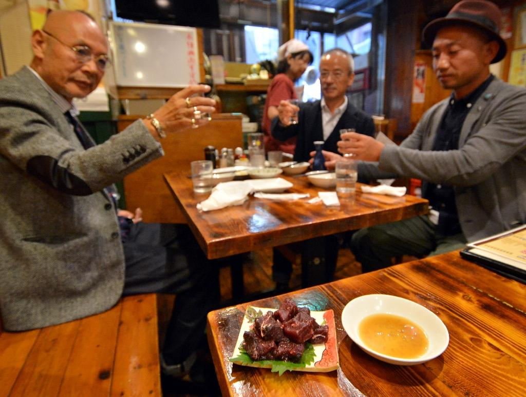 Tokyo district tries to reel in tourists with whale meat