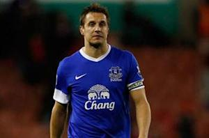 Phil Jagielka signs long-term Everton contract