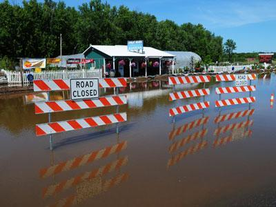 Flood damage teams begin work in Minn. Tuesday
