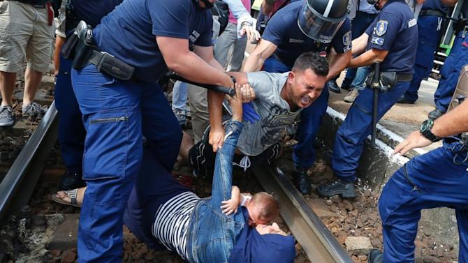 Heartbreaking Photo of Drowned Migrant Child Prompts Outcry