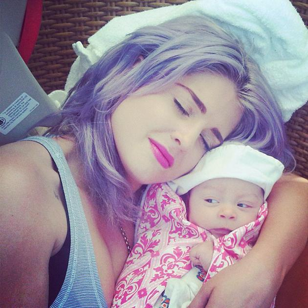 Celebrity photos: It's no secret that Kelly Osbourne is absolutely besotted with her niece, Jack Osbourne's daughter, Pearl. The star tweeted this adorable photo of her giving Pearl a cuddle, along wi