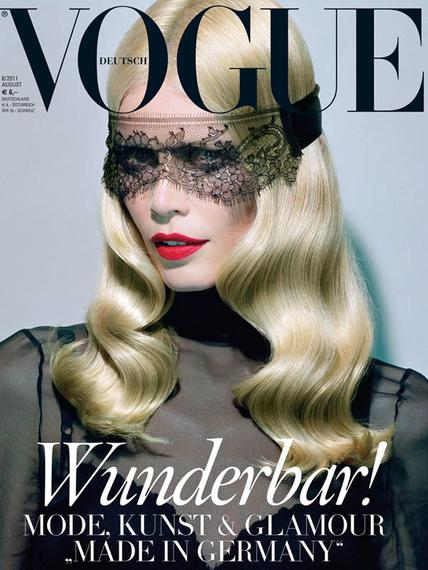 A polished wave is equal parts sleek and sexy, as seen on Claudia on Vogue Germany's most recent…