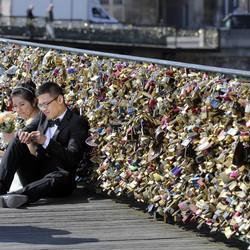 Paris' Famous Love Locks Won't Last Forever After All