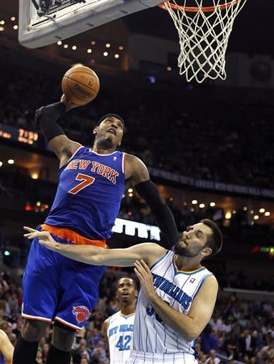 Surging Knicks easily top Hornets, 102-80