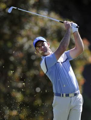 Santos fires 62 to lead Africa Open