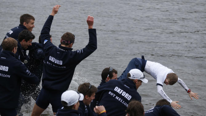 Oxford wins 160th Boat Race