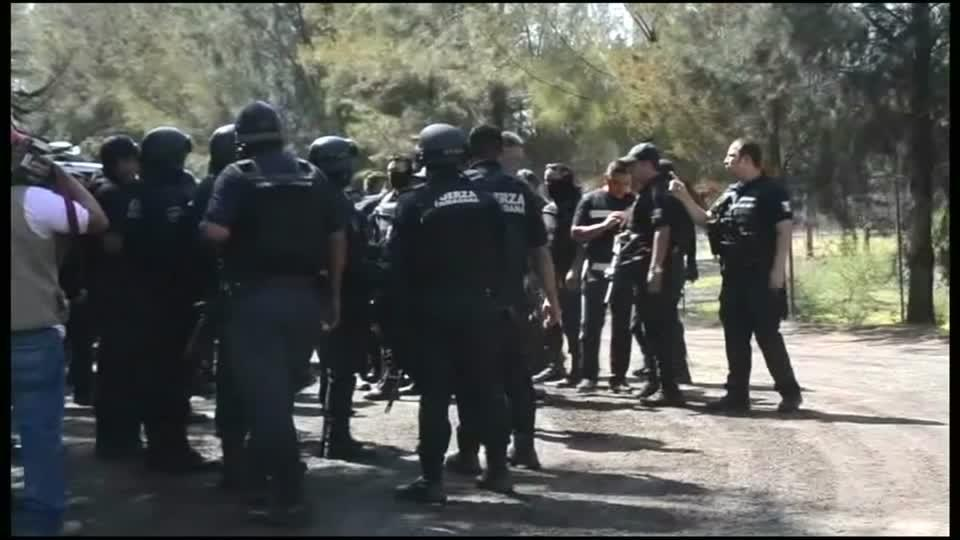 Mexican official: About 40 dead in shootout in cartel area