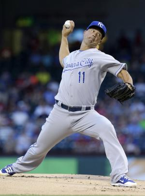 Guthrie overcomes 1st pitch HR, Royals beat Texas