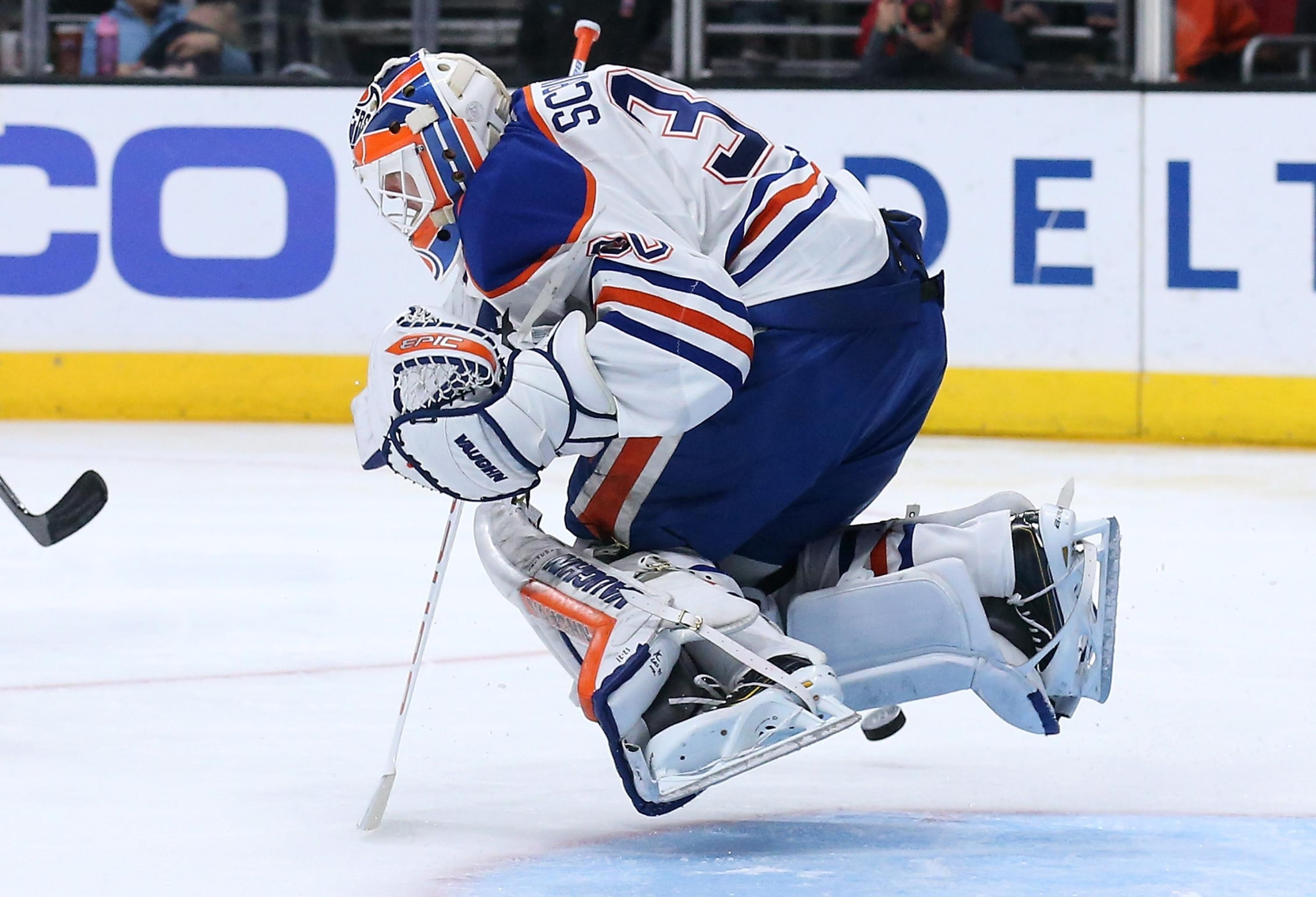 Edmonton Oilers place goaltender Ben Scrivens on waivers