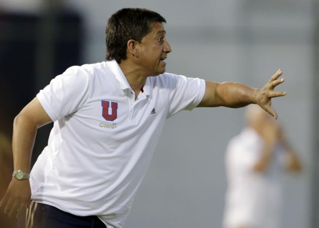 Paraguay's Guarani head coach Cristian Romero shouts to his players during their Copa Libertadores soccer match against Paraguay's Guarani in Asuncion