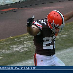 Cleveland Browns running back Edwin Baker 2-yard TD run