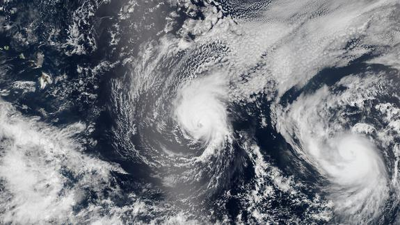 NASA Sees Hawaii-Bound Hurricanes from Space (Photo)