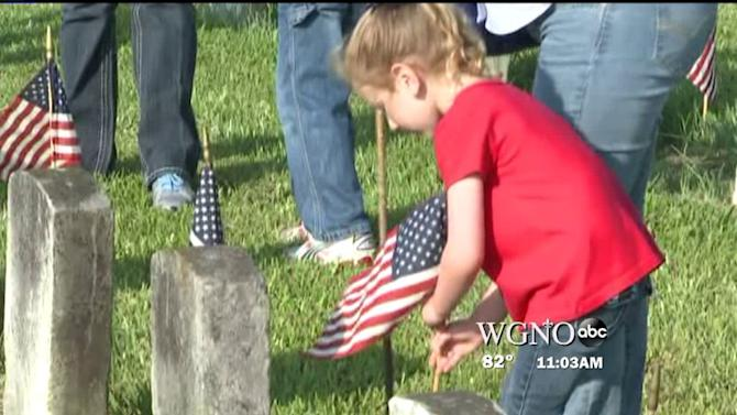Volunteers Honor War of 1812 Vets in Chalmette