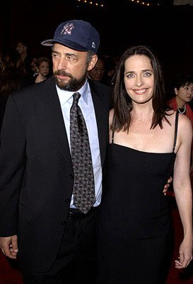 Richard Schiff and Sheila Kelley 53rd Annual Emmy Awards - 11/4/2001