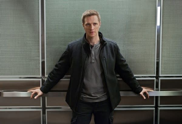 Nikita's Devon Sawa on Embracing His 'Bad-ish' New Alter Ego Sam – Plus: What's Next for Owen?