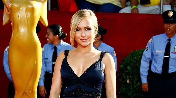 Hayden Panettiere arrives at the 60th Primetime Emmy Awards held at Nokia Theatre on September 21, 2008 in Los Angeles, California.