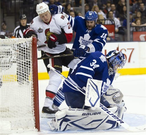 Senators edge Maple Leafs 3-2