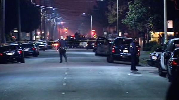 Suspects sought in shooting that injured police officer