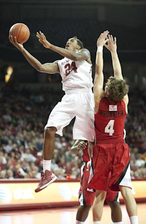 Harris leads Arkansas past La.-Lafayette 76-63
