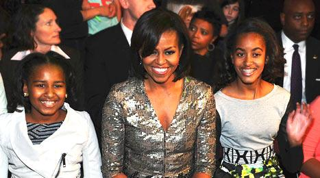 Michelle, Malia, Sasha Obama Rock Out at Beyonce's Atlantic City Concert