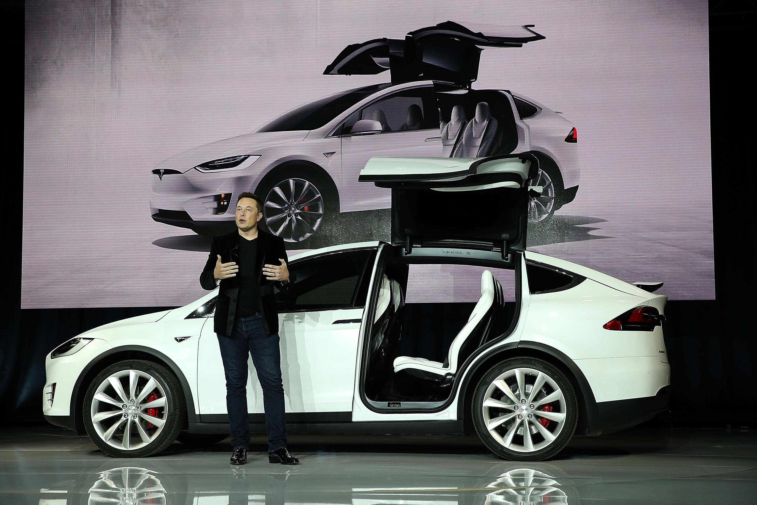 Tesla is getting very ambitious about how many cars it will sell in 2016