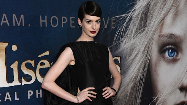 Hathaway Calls Wardrobe Malfunction &#39;Devastating&#39;