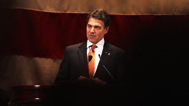 Rick Perry Calls Himself 'Outsider' in New Ad