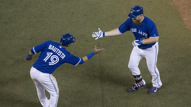 Lind hits tiebreaking homer, Jays beat Rays 6-3