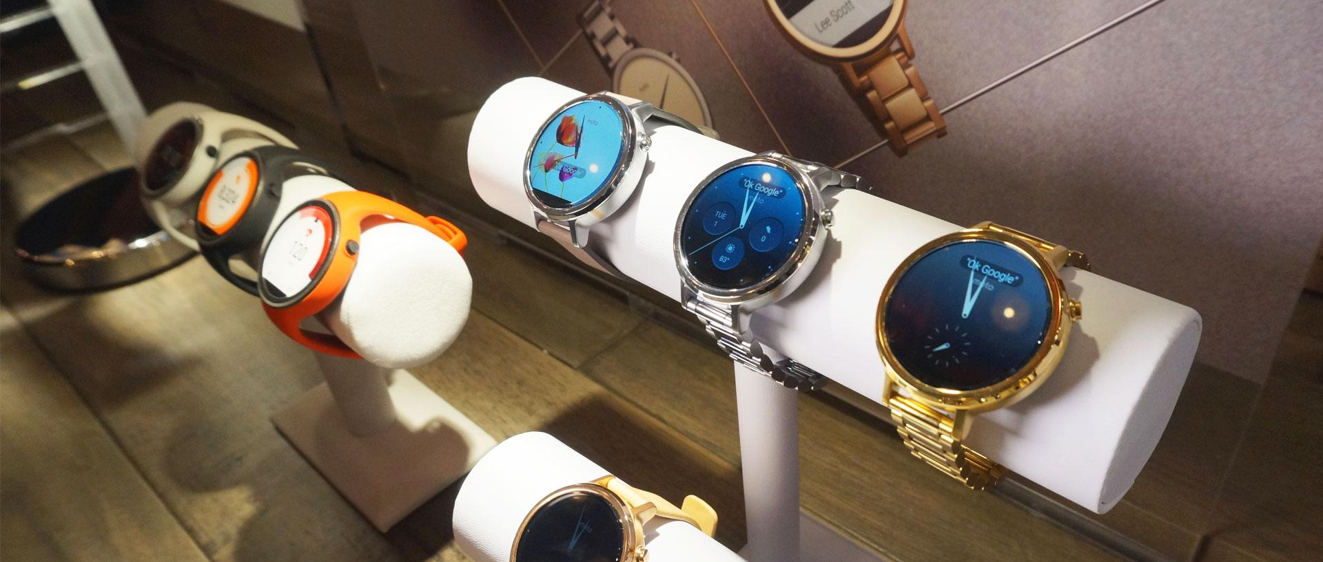 Hands on with the Motorola Moto 360 and Moto 360 Sport Smartwatches