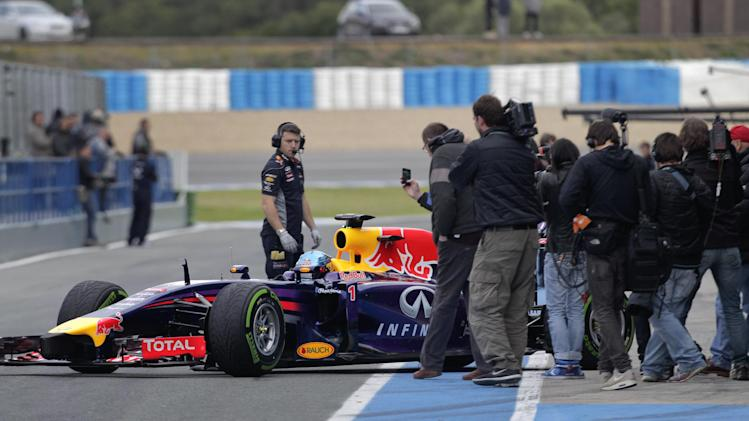 Button rebounds on 2nd test day, Vettel struggles