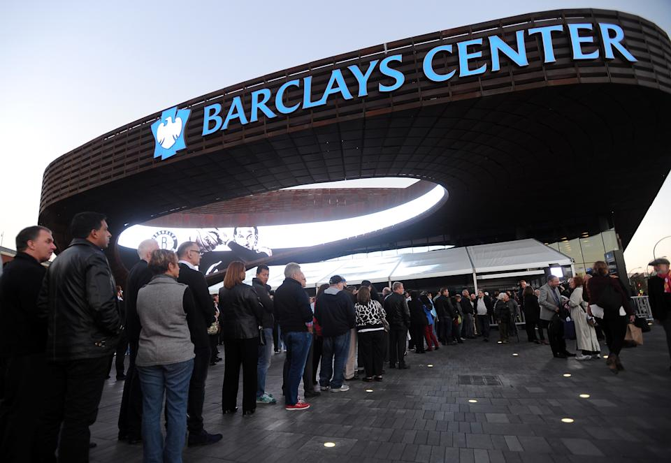 Barbra Streisand fans waiting to enter the Barclays Center to see the singer in concert as she kicks off her Brooklyn shows on Thursday Oct. 11, 2012 in New York. (Photo by Evan Agostini/Invision/AP)