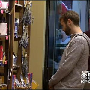 Last-Minute Holiday Shoppers Flood Bay Area Stores