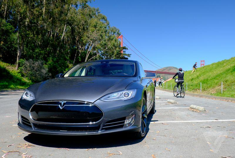 Here's what happens when your Tesla is smarter than you