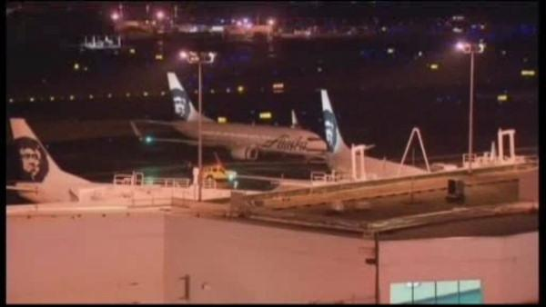 Pilot passes out, co-pilot lands plane in Denver