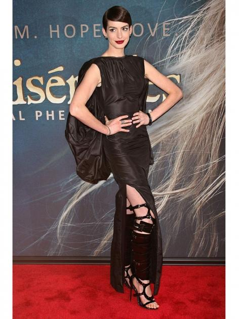 Anne Hathaway attends 'Les Miserables' New York premiere at Ziegfeld Theatre on December 10, 2012 in New York City -- WireImage