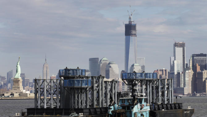 Spire for 1 World Trade Center arrives in NYC