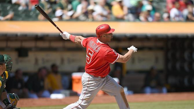 Baseball - Pujols hits 555th homer to tie Ramirez on all-time list