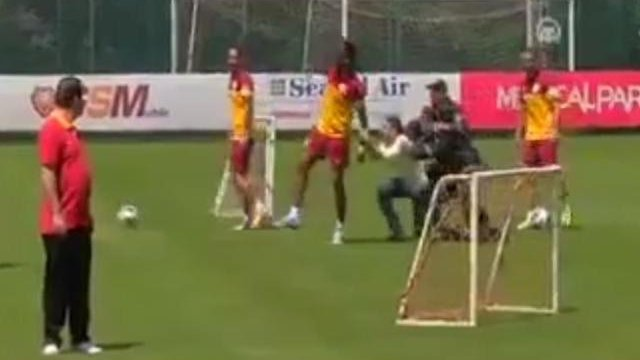 Over-enthusiastic fan injures Drogba