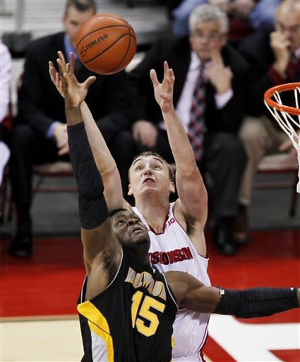 Wisconsin easily handles rival Milwaukee 74-53