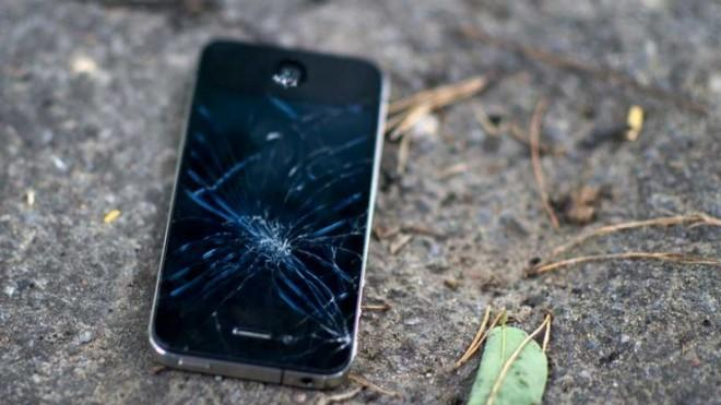 An out-of-work iPhone is kicked to the curb.